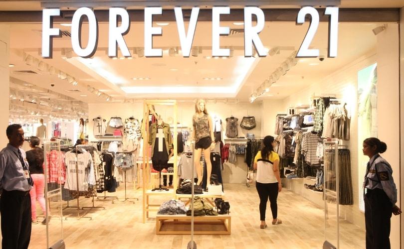ac1c8eb2c La Guerra de los Titanes de la Moda  H M vs Forever 21