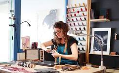 Slow fashion : Julie Troncin, artesana del cuero