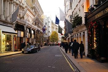 La moda salva inversión en espacios comerciales